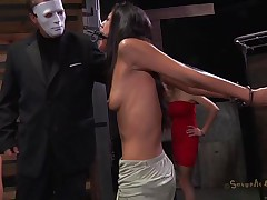 A effortless yet efficient metal device keeps her neck and arms immobilized. This pretty dark brown is about to have one hell of an experienced and she's scared. Masked guys put her in a cage and makes her see how a darksome hunk deepthroats roughly another hot ass brunette. She got the idea that she's next